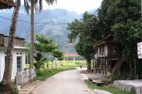 Vietnam, lac-white-thai-village